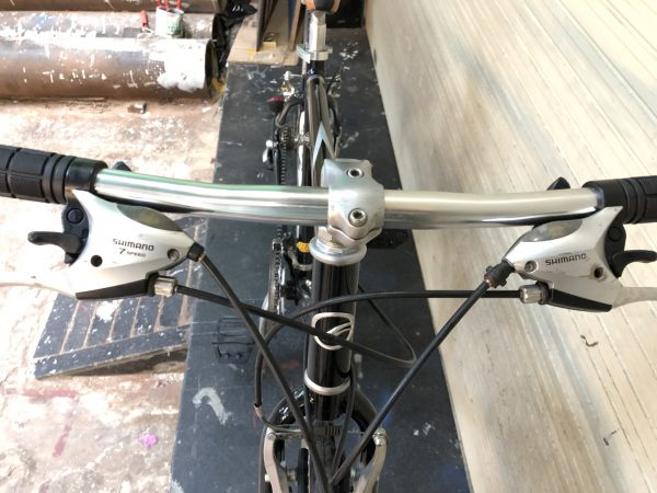 tay đề Xe Đạp Touring Nhật Giant ( Đen)- Xe Đạp Đà Nẵng